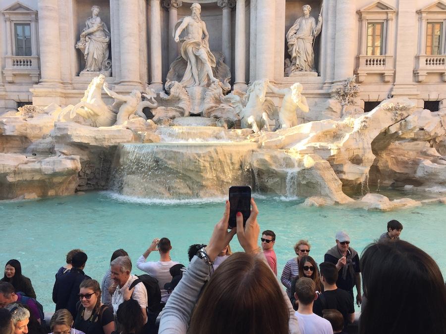 Postkartenblick in Rom – Krimi gewinnen!